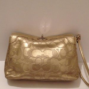 COACH GOLD EMBOSSED OPTIC METALLIC WRISTLET POUCH